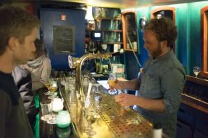 bar sailboa